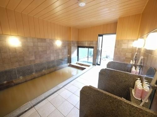 https://www.hotel-grantia.co.jp/himi/spa/shiosainoyu/assets_c/2017/06/himi_spa2-thumb-500xauto-1725.jpg